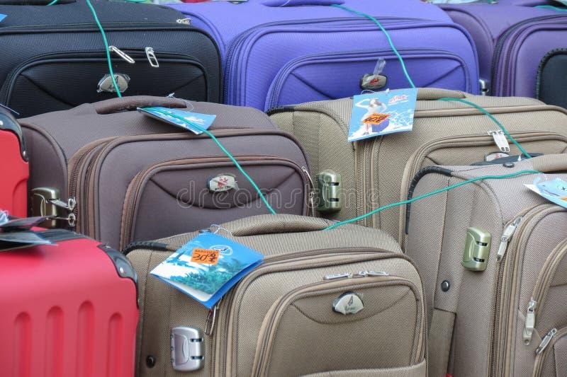 Koffer und Taschen für Verkauf lizenzfreie stockfotografie