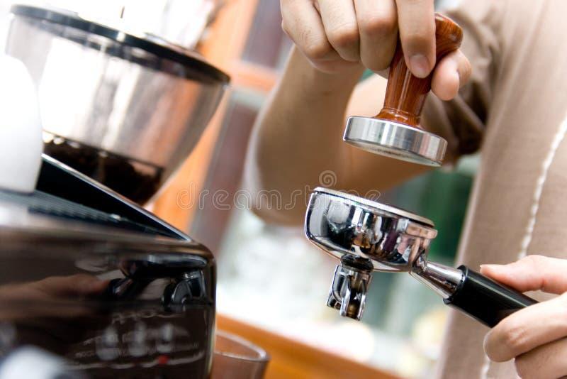 Koffie door Barista royalty-vrije stock fotografie