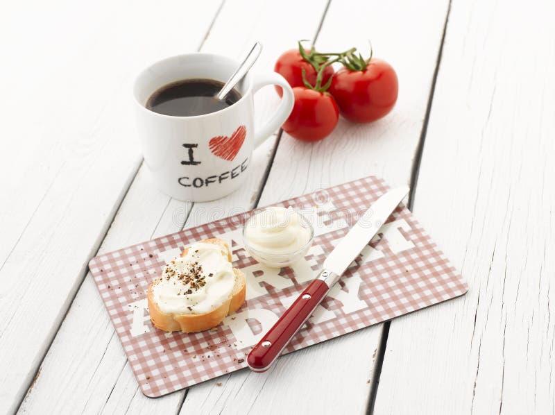 Koffie en Baguette met Roomkaas royalty-vrije stock afbeelding