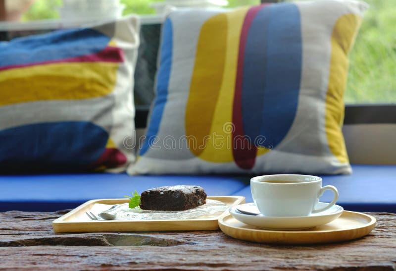 Koffie en cake in de ochtend royalty-vrije stock afbeeldingen