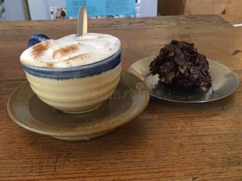 Koffie en chocoladedessert Koffie Latte royalty-vrije stock afbeelding