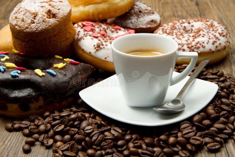Koffie en Donuts royalty-vrije stock afbeelding