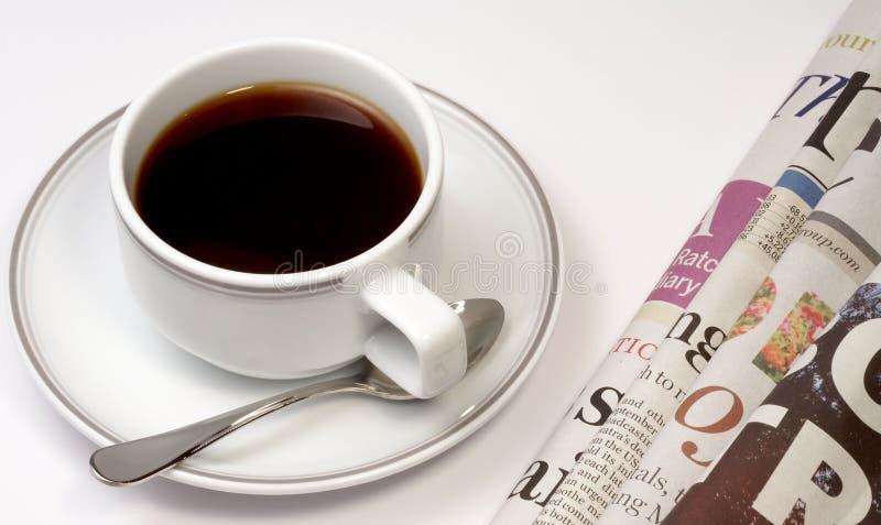 Koffie en nieuws royalty-vrije stock foto