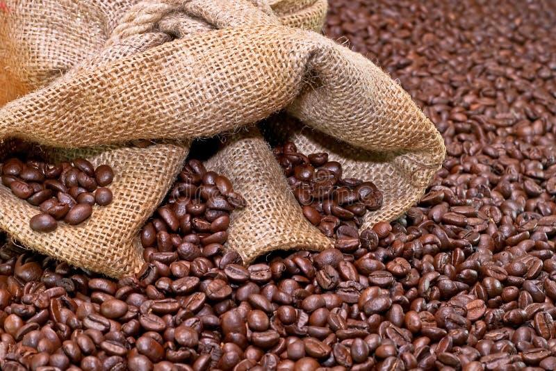 Koffie en zak stock afbeeldingen