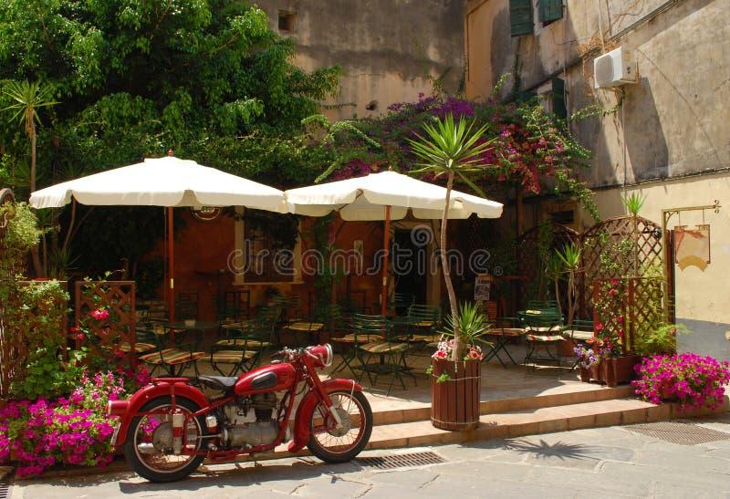 Koffie in het eiland van Korfu stock afbeelding