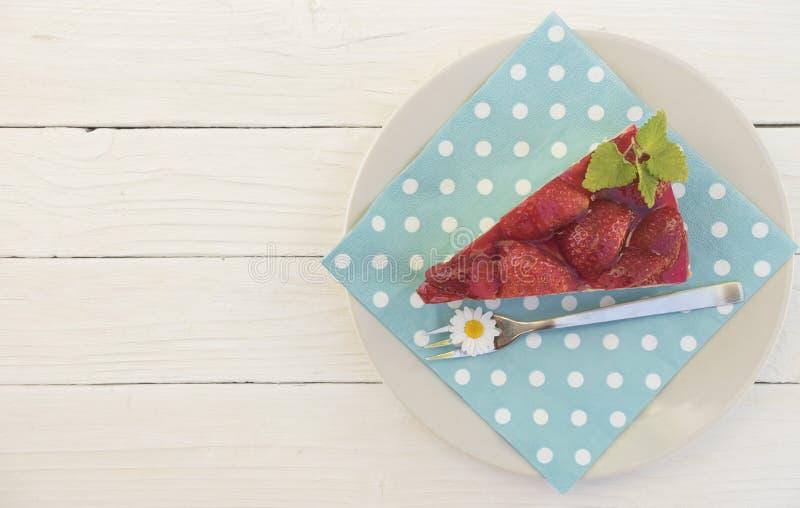 Koffie klatsch met stawberry cake stock afbeelding