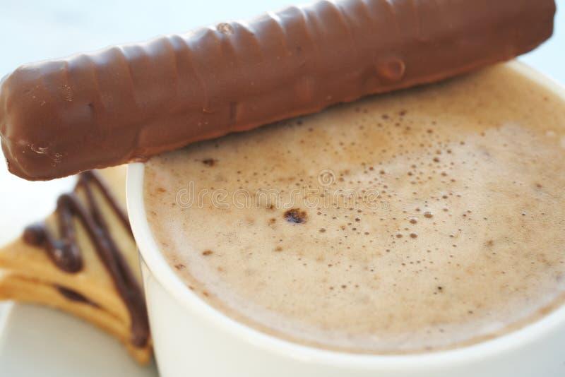 Koffie latte in koffiekop royalty-vrije stock foto