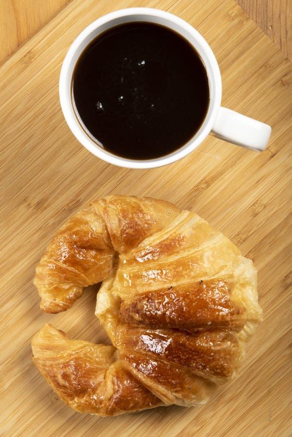 Koffie met croissant royalty-vrije stock afbeeldingen