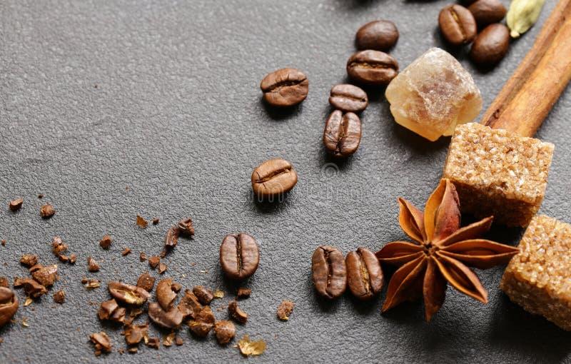 Koffie met donkere chocolade stock foto