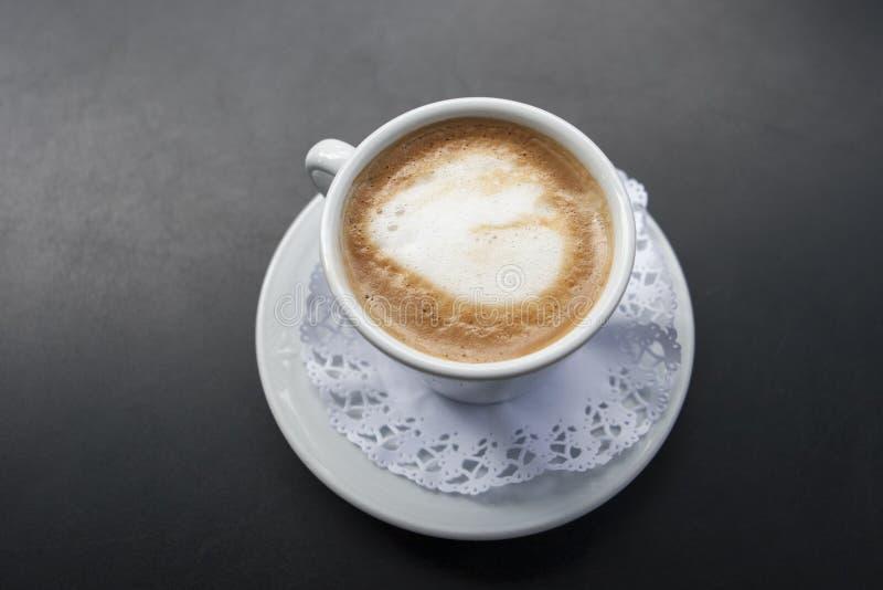 Koffie met melk Cortado stock afbeelding