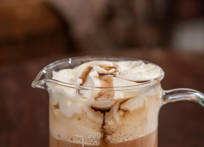 Download Koffie met Slagroom stock foto. Afbeelding bestaande uit melk - 54077012