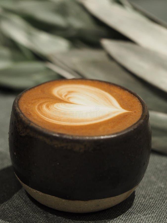 koffie in mok stock foto's