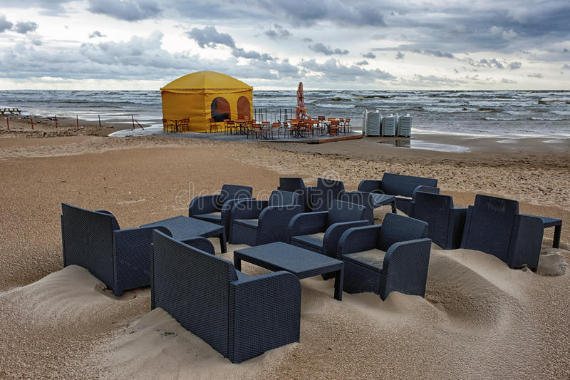 Koffie op de Oostzee in een onweer stock foto