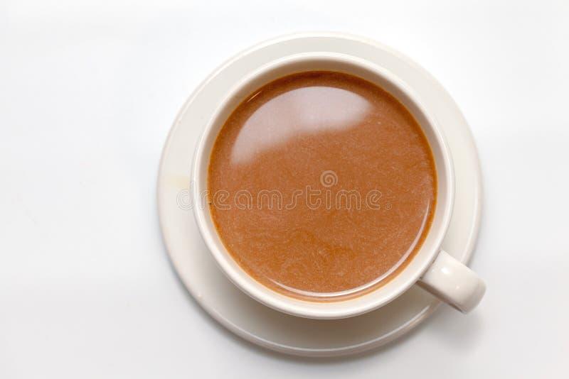 Koffie op witte achtergrond stock afbeeldingen