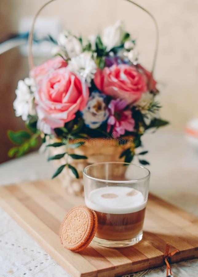Koffie thuis stock afbeelding