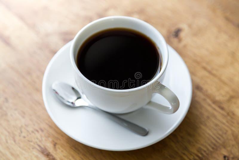 Koffie in witte kop royalty-vrije stock foto's