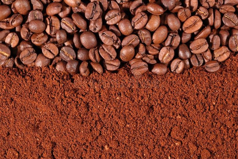 Koffiebonen en gemalen textuur royalty-vrije stock foto