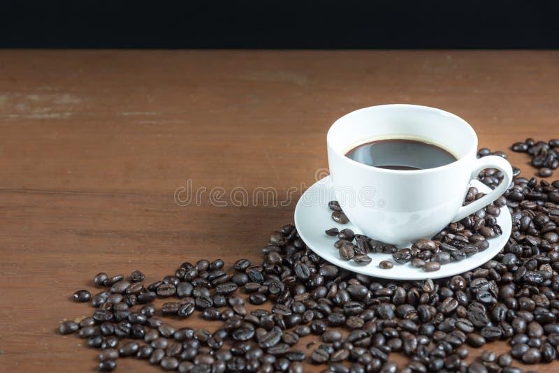 Koffieboon op de lijst royalty-vrije stock foto's