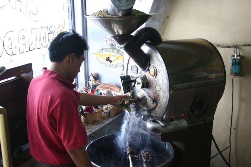 Koffiebrander stock afbeeldingen