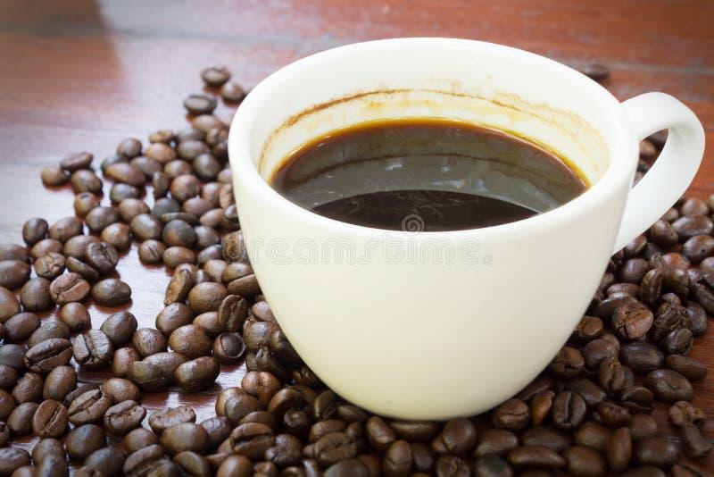 Koffiekop en bonen. royalty-vrije stock foto