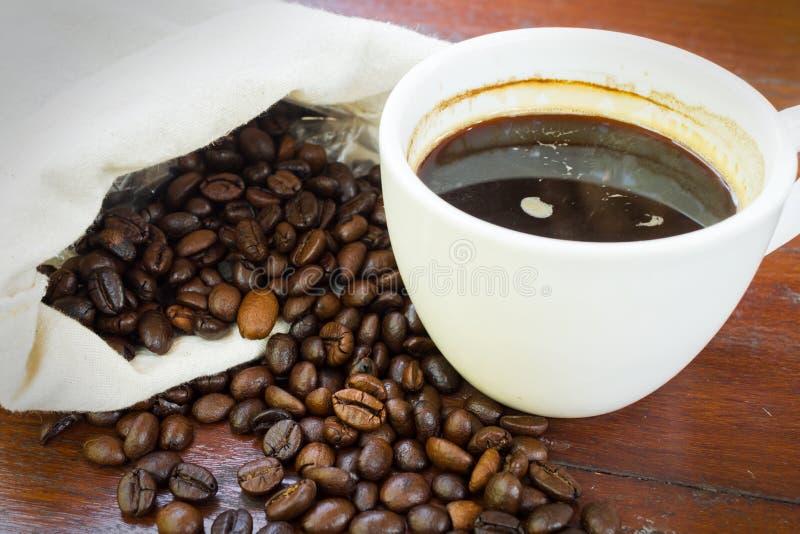 Koffiekop met bonen. royalty-vrije stock foto