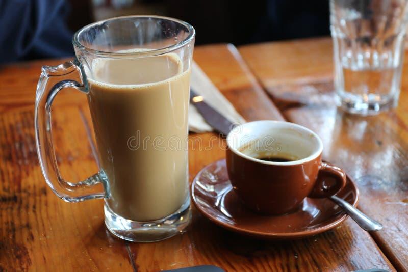 Koffiemoeilijke situatie stock foto's