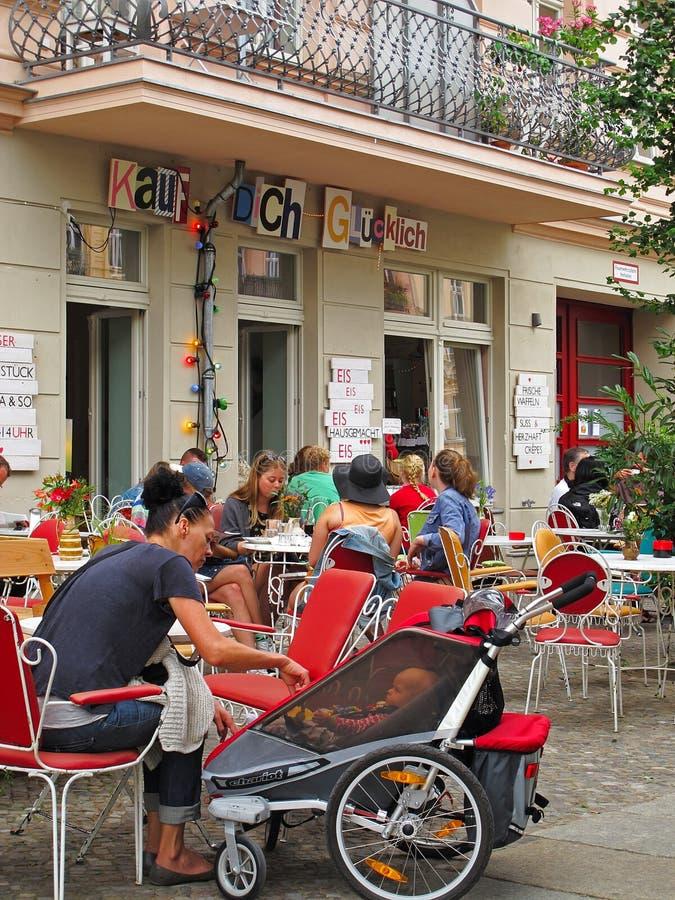 Koffiepauze in Berlijn stock foto's