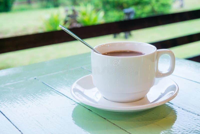 Koffiepauze voor verfrissing royalty-vrije stock afbeeldingen