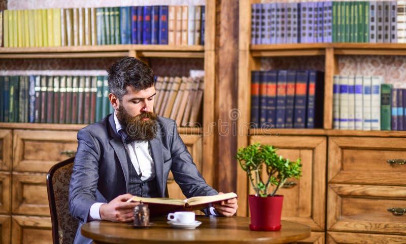 Koffiepauze, vrije tijdsconcept Onderwijs en intelligentie stock afbeeldingen
