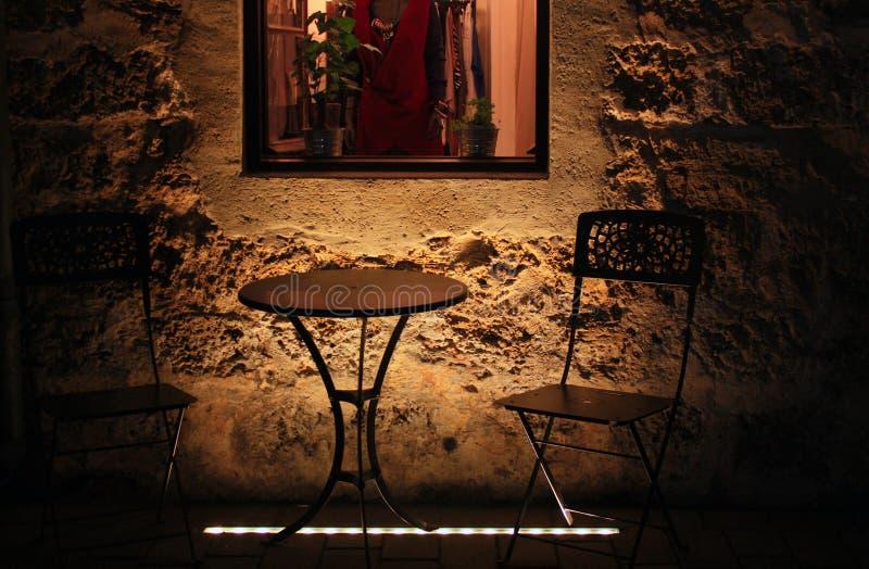 Koffieplaats in Dark royalty-vrije stock afbeelding