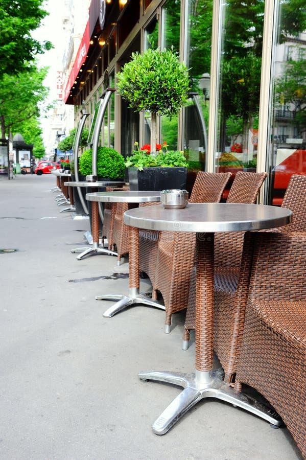 Koffieterras in Parijs stock afbeeldingen