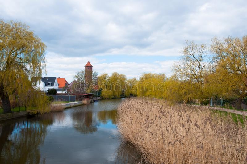 Koge flod och stad i Danmark arkivbild