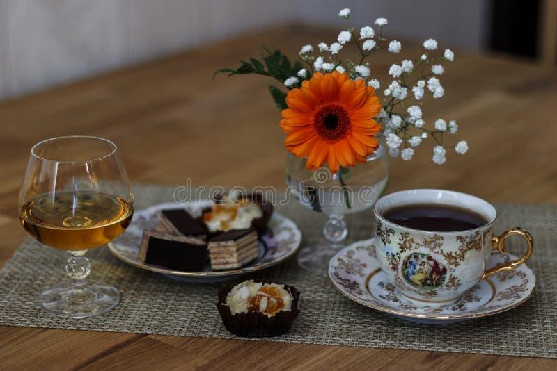 Kognak und Kaffee lizenzfreie stockfotos