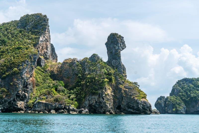 Koh Kai, isla de pollo cerca de la playa de Railay en la provincia de Krabi, en el mar de Andaman, en el sur de Tailandia, fotos de archivo libres de regalías