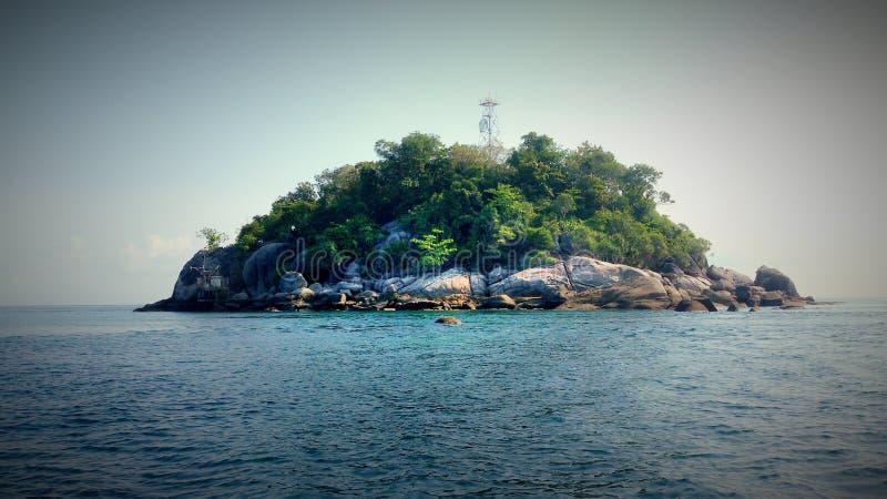 Koh Li Pe, pequeña isla en cuba del Sa foto de archivo