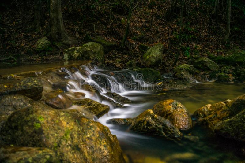 Koh Phangan Thailand Surat för Phaeng vattenfall 5 thani royaltyfria bilder