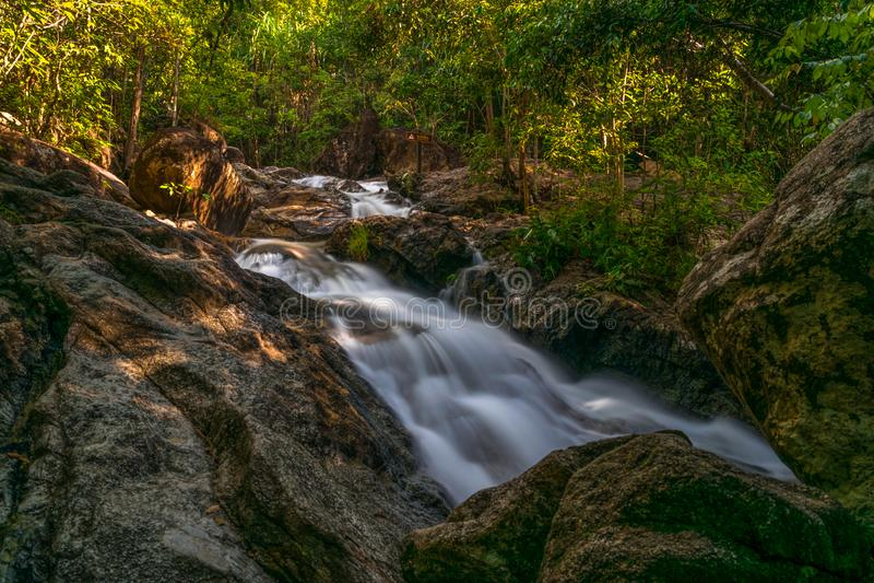 Koh Phangan Thailand Surat för Phaeng vattenfall 5 thani arkivbilder