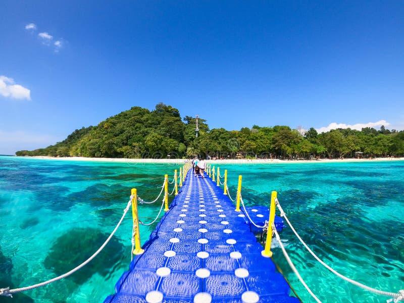 Koh Rok' vackra ö i Krabi arkivfoton
