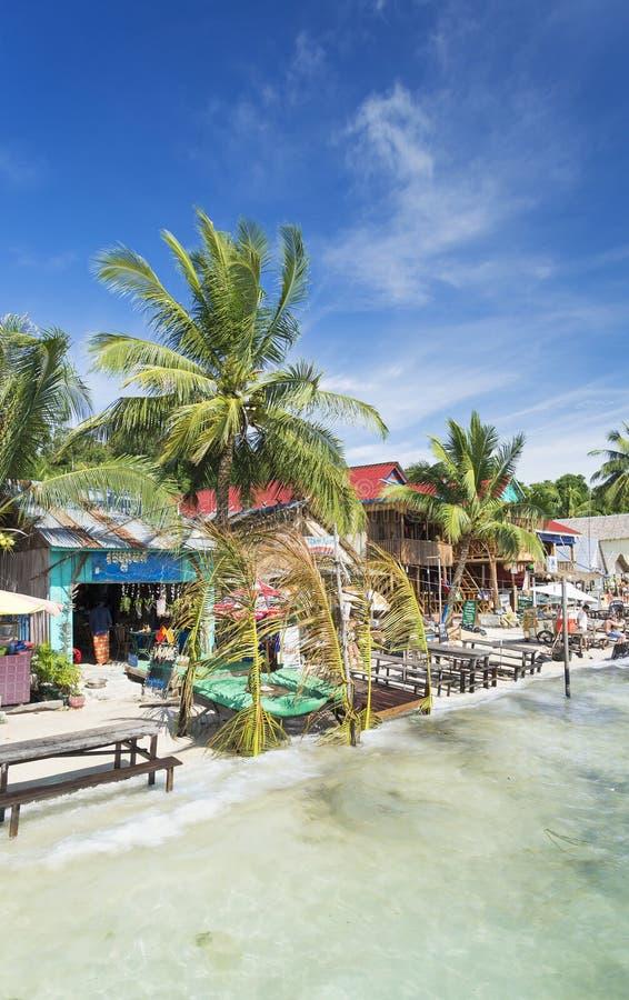 KOH rong Insel-Strandbars in Kambodscha lizenzfreies stockbild