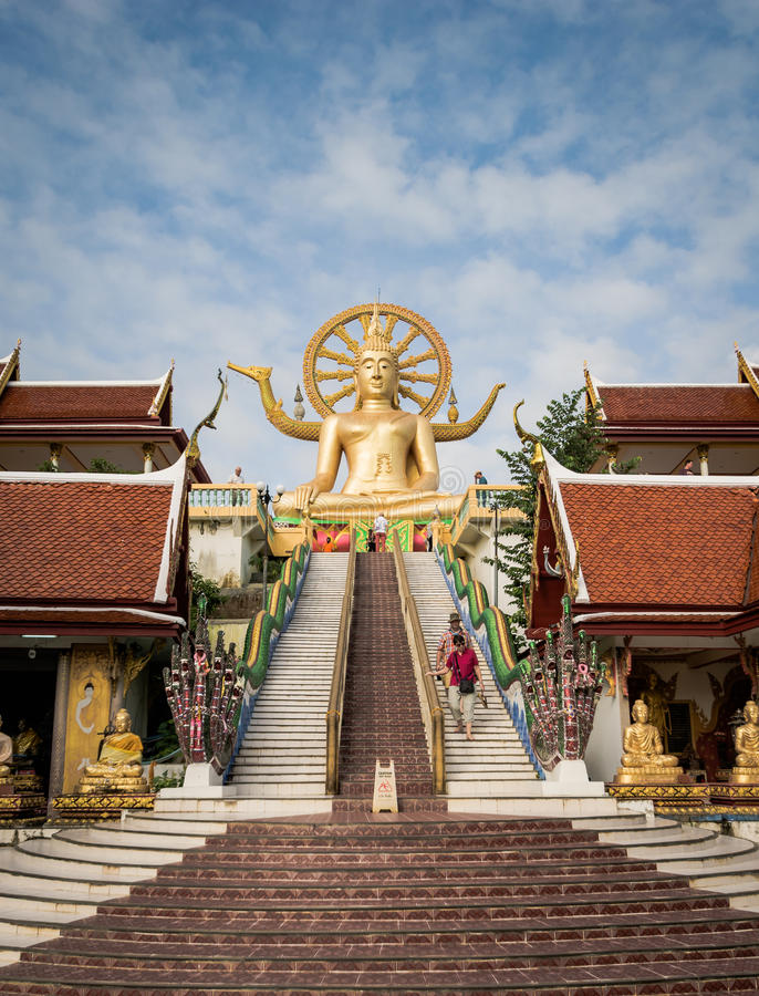 KOH SAMUI, THAILAND - 24. DEZEMBER: Großer Buddha bei Wat Phra Yai im KOH stockfotos