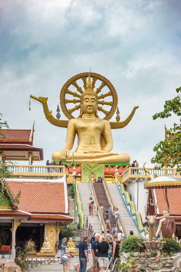 KOH SAMUI, THAILAND - 19. Dezember 2017: Wat Phra Yai Wat Phra Yai, bekannt auf englisch als der große Buddha-Tempel, ist ein bud lizenzfreie stockfotografie