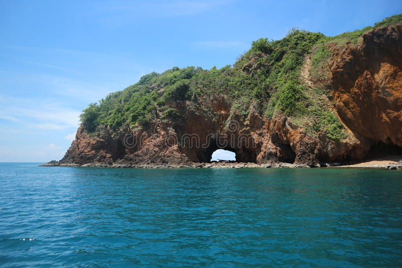Koh Talu mit blauer Himmel Inselseelandschaft stockfoto