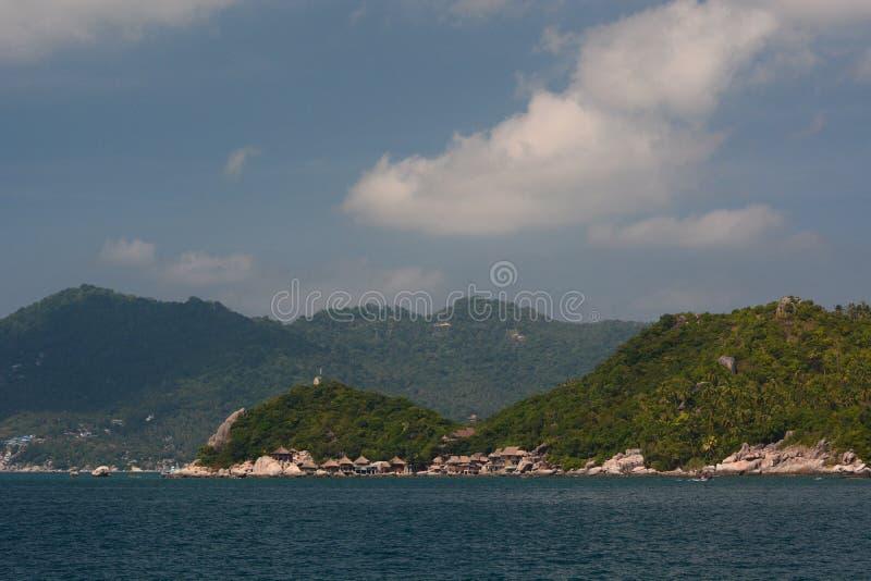 Koh Tao linia brzegowa jak widzieć od ferryboat Chumpon archipelag Surat Thani prowincja Tajlandia fotografia royalty free
