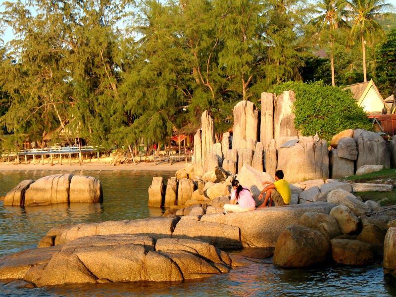 Koh Tao, Thais paar in zonsondergang royalty-vrije stock fotografie