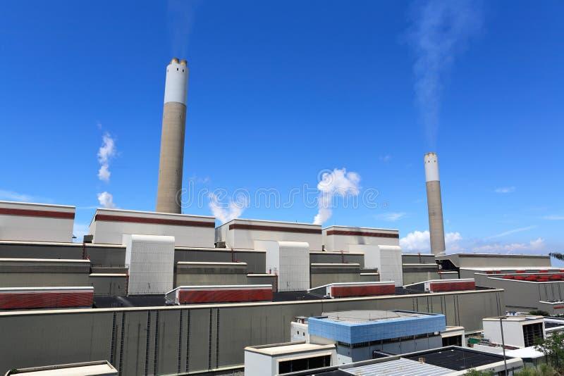 Kohle abgefeuerte Energieanlage lizenzfreie stockfotografie