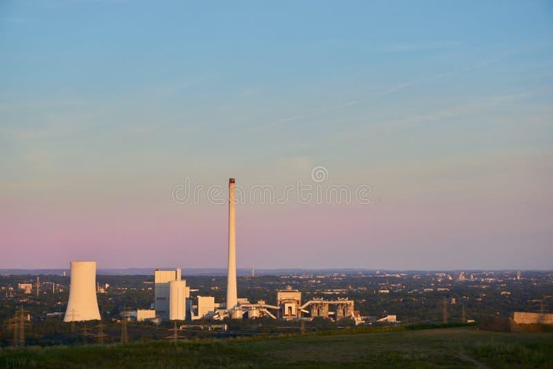 Kohle abgefeuertes Kraftwerk lizenzfreies stockfoto