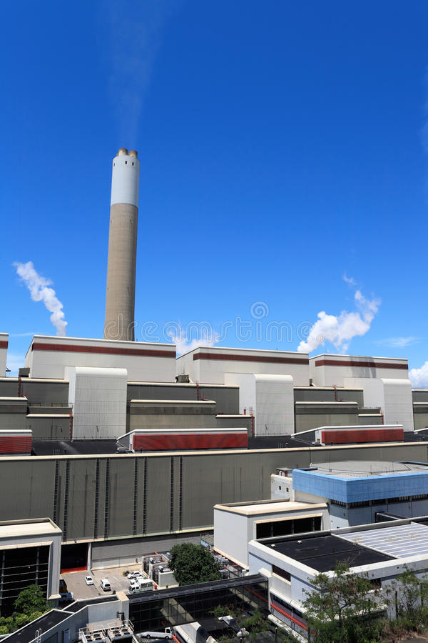Kohle abgefeuertes Kraftwerk lizenzfreie stockbilder