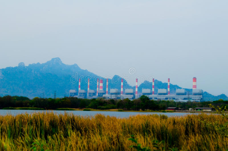 Kohleenergieanlage lizenzfreie stockbilder