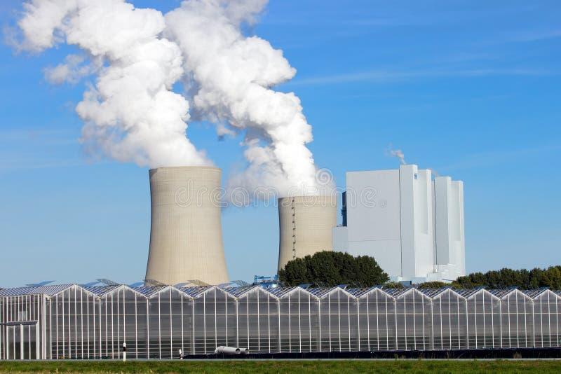 Kohlekraftwerk lizenzfreies stockfoto