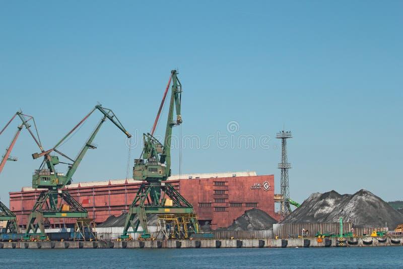 Kohlelagerungsanschluß in Gdynia lizenzfreie stockbilder